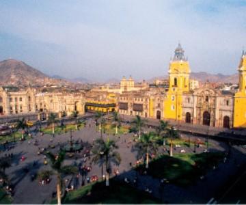Lima, Líneas de Nazca, Paracas, Arequipa, Colca, Puno, Titicaca, Cusco, Valle Sagrado y Machu Picchu