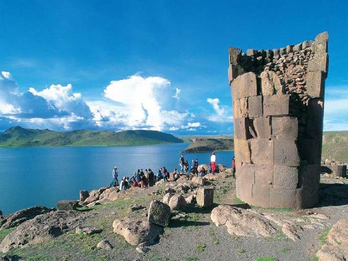Lima, Líneas de Nazca, Paracas, Arequipa, Colca, Puno, Titicaca, Cusco, Valle Sagrado & Machu Picchu