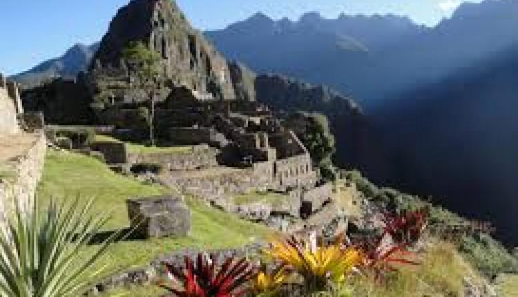 Líneas de Nasca y Machu Picchu